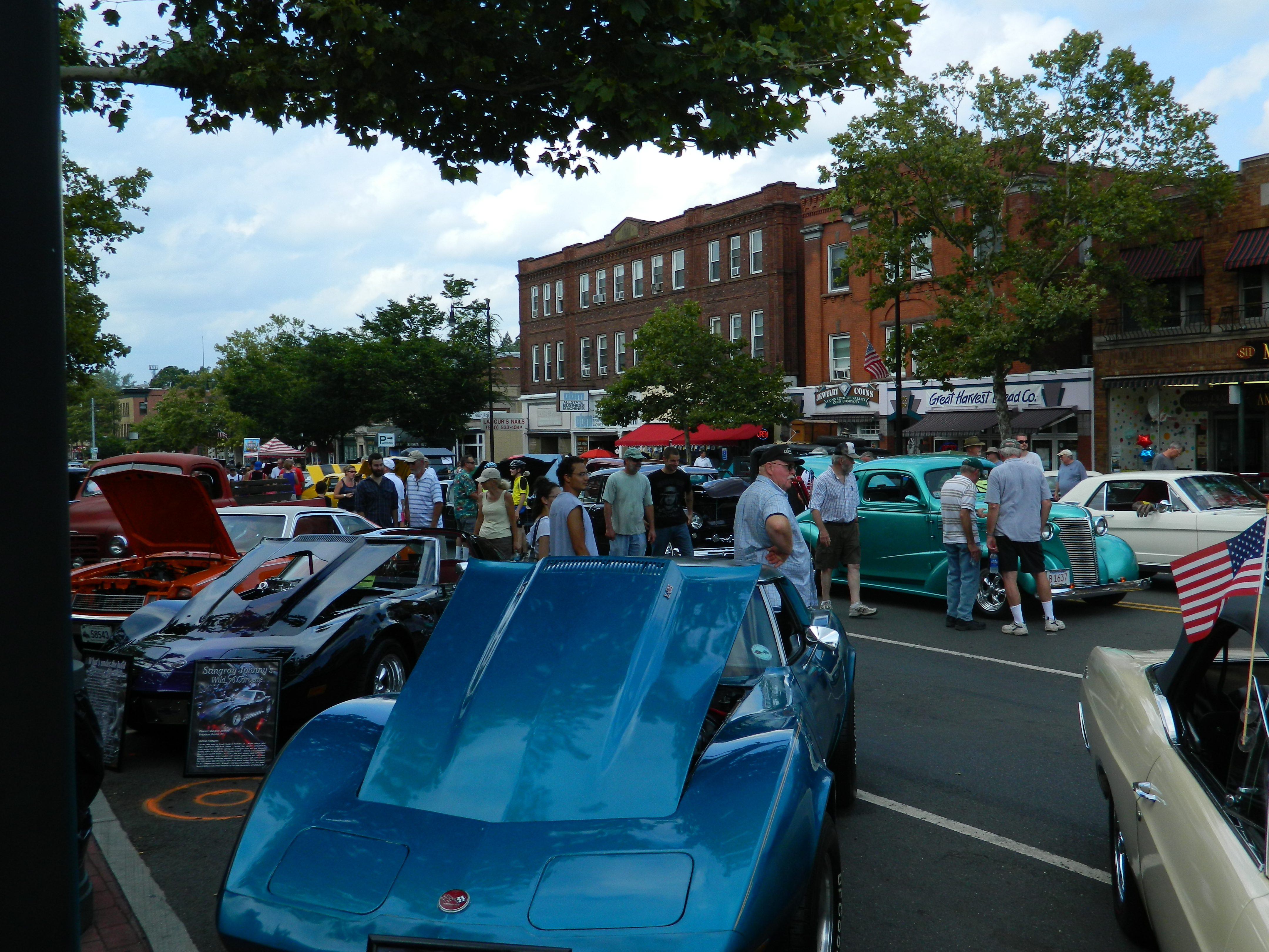 Downtown Manchester Ct Car Show
