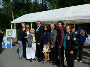 Members of the CTHM Committee shown with Gov. Dannel Malloy when the site was announced in June 2012.
