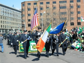 As is tradition the Hartford Fire Department Emerald Society was among the first parade units.