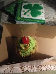 Pistachio cupcake - a perfectly green dessert.