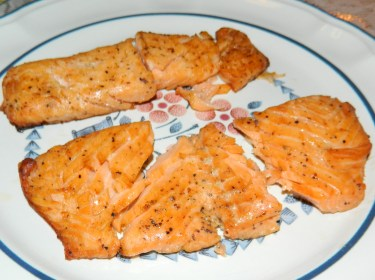 Baked Lemon Pepper Salmon has been added to Mom's Recipe Box.